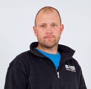 Porträtt av Dennis Germundsson, kollektormontör på FBB